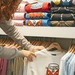 Comment construire son style vestimentaire autour du t-shirt personnalisé ?