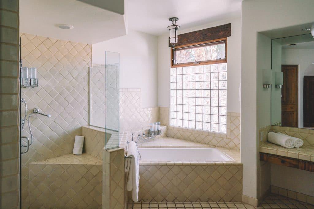 Les différents revêtements de sol pour la salle de bain