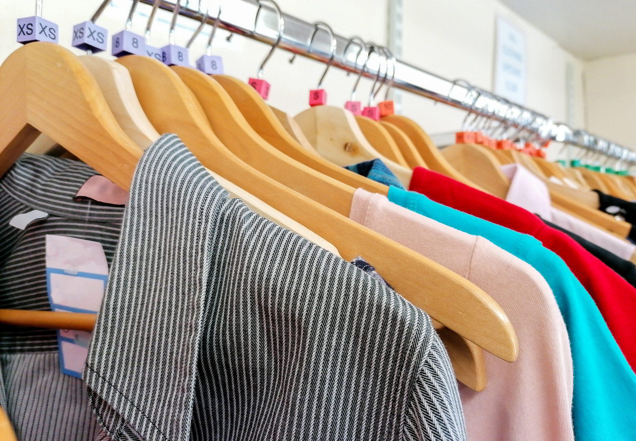 Acheter en friperie : les bonnes affaires à shopper